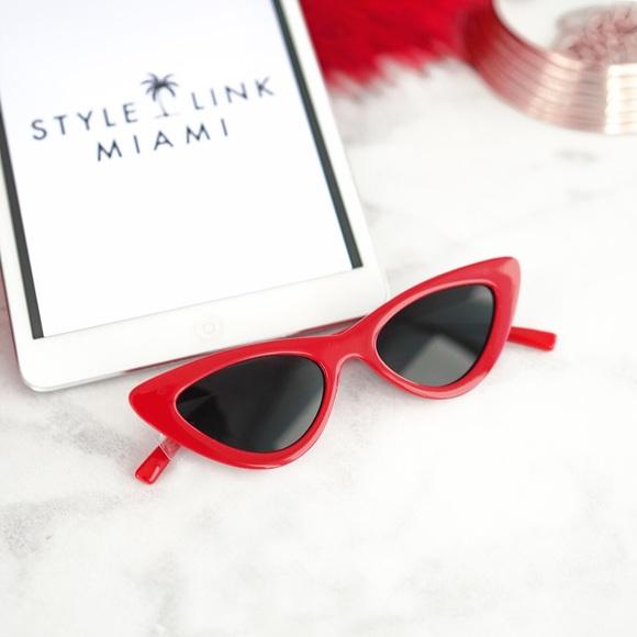 Style Link Miami Accessories - Red Retro Frame Cateye Sunglasses